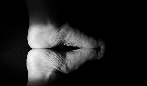 Głęboki, specjalny, wyjątkowy masaż stóp. 1 sesja